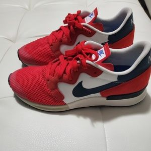 Nike Shoes - Nike Air Berwuda Trainers